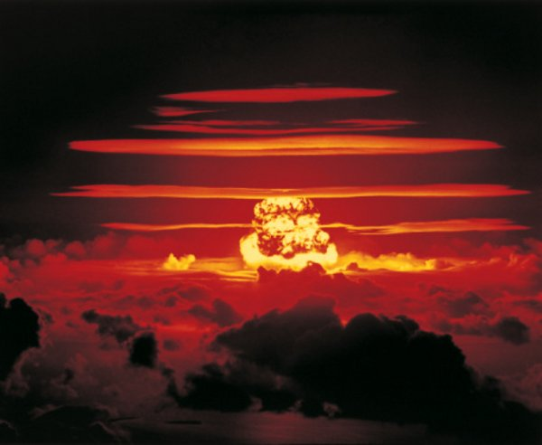 01-bomba-atomowa-wybuch-grzyb-jup-600