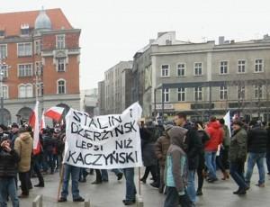 Postbolszewicka mafia z PO i KOD pod wezwaniem komunistyczno-sowieckich zbrodniarzy Stalina i Dzierżyńskiego