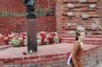 Idąc z Pałacu Prezydenckiego w Warszawie na stare miasto przechodziłem z kolegami koło pomnika Małego Powstańca postawionego przy murach obronnych Starego Miasta w hołdzie dzieciom- powstańcom warszawskim. Jak zwykle bywa […]