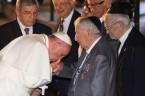 """Pomimo, że Papieże są nieomylni w sprawach wiary i moralności, oczywiście jeśli wypowiadają się """"ex cathedra"""", to jednak są pewne sprzeczności…zwłaszcza jeśli chodzi o tzw """"starszych braci"""", czyli żydów… Jan […]"""
