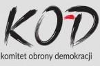 """Zirytowany wygłupami opozycji parlamentarnej Rafał Ziemkiewicz powiedział w programie """"Chłodnym okiem"""" {TUTAJ}: """" Cała niewspółmierność tego, co wyrabia obóz anty-PiS-owski, KOD-omici, którzy chodzą ze znaczkami """"Józef Pinior – pierwszy więzień […]"""