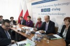 """Za nami przeglądu ministerstw, w czasie którego szefowa rządu, premier Beata Szydło odbywała spotkania z podległymi sobie ministrami, oceniając postępy reform przez nich wdrażanych. Już w drugim dniu """"na dywanik"""" […]"""