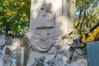… a cieszy ;-)  Pomnik Wdzięczności Żołnierzom Armii Radzieckiej zniknie z parku Skaryszewskiego