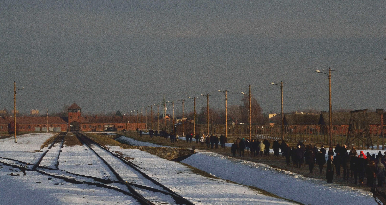 Uroczystości 74. rocznicy wyzwolenia niemieckiego obozu koncentracyjnego i zagłady Rodziny Polskich Ofiar Obozów czują się upokorzone potraktowaniem podczas uroczystości w Auschwitz-Birkenau 27 stycznia 2019 r. [dokumentacja: zdj. i wideo – […]