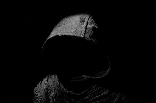 Uważam, że dobrym zwyczajem na okres żałoby jest milczenie, jednak w obliczu tego, co się dzieje nie sposób go zachować. To, że fakt zamordowania polityka PO przez kryminalistę, osobę ze […]