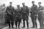 Tytułem króciutkiego wstępu zaznaczam, że nie mam na myśli bohaterskich uczestników poznańskiego czerwca 1956, nie chodzi mi o stoczniowców i polską młodzież z grudnia 1970 walczącą na ulicach z milicją […]