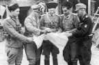 W przyjętej przez aklamację uchwale sejmowej upamiętniającej 75. rocznicę wybuchu Powstania Warszawskiego znalazły się dwa skandaliczne sformułowania. Powstańcy podjęli bohaterską walkę przeciwko Niemcom oraz ich rosyjskojęzycznym pomocnikom z kolaboranckich formacji. […]