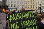 Tęczowi nie spadli nam z nieba 21 czerwca 2002 r. na Rynku w Krakowie w strugach deszczu odbył się wiec wyborczy Prezydenta RP Andrzeja Dudy, wcześniej pracownika naukowego Wydziału Prawa […]