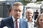 """Konfederacja apeluje o blokadę Nord Stream 2. """"Gazociąg Ribbentrop-Mołotow"""" [VIDEO] W piątek przed niemiecką ambasadą w Warszawie Konfederacja zaapelowała, żeby rząd Angeli Merkel zablokował budowę Nord Stream 2. – Apelujemy […]"""