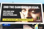 """Obywatele sprzeciwiający się prowadzonej w Wielkiej Brytanii wojnie psychologicznej pt. covid-19, rozpoczęli kampanię kontrreklamową, której celem jest rozbrojenie rządowej """"brudnej bomby"""" polegającej na """"wymuszaniu posłuszeństwa przez strach"""". ___***___ """"Znaczna liczba […]"""