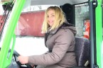 Po nakręceniu wielu świetnych mini reportaży, m.in. Finał I Konkursu Reportażu Amatorskiego  po nakręceniu teledysku dla Zespołu Fabryka… nasza leśna Carcinka próbuje sił w reklamie: Kobiety na traktory ! […]
