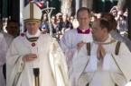 """Radio Maryja (http://www.radiomaryja.pl/kosciol/ogolocmy-sie-z-bozkow-adorujmy-jezusa/) Ojciec Święty Franciszek w niedzielne popołudnie przewodniczył Eucharystii w Bazylice św. Pawła za Murami. W wygłoszonej homilii Ojciec Święty mówił, że """"Pan jest jedyny, jest jedynym Bogiem […]"""