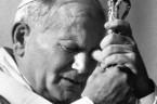 """Dziś Niedziela Bożego Miłosierdzia. Jan Paweł II już należy do grona świętych, uznanych przez Kościół Katolicki. 34 lata temu ogłosił Encyklikę """"O Bożym Miłosierdziu"""". Jego następca Benedykt XVI za jedną […]"""