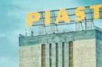 """DOSTAŁEM MAILEM 32 lata temu wkopalni """"Piast"""" wTychach-Bieruniu Nowym miał miejsce najdłuższy podziemny strajk wpowojennej historii górnictwa. Był namiarę naszych największych zrywów narodowych –można śmiało powiedzieć. Strajk przeciw Jaruzelskiemu ijego […]"""