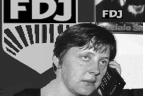 Lojalny obywatel NRD. Wierzyła w socjalizm z ludzką twarzą, była wierna komunistycznemu systemowi i ambitna. Do władzy pomogli jej dojść dwaj enerdowscy działacze opozycyjni, którzy zostali ujawnieni jako tajni współpracownicy […]