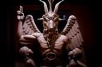 Amerykańscy sataniści zaprezentowali statuę Bafometa w Detroit. Mierzący prawie 3 metry wysokości, zrobiony z brązu pomnik waży ok. tony. Sataniści planują postawić pomnik w pobliżu pomnika 10 przykazań w Oklahomie. […]