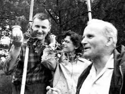 Zapraszam w tym dniu, rocznicy inauguracji pontyfikatu Jana Pawła II, do chwili zadumy nad poezją młodego Karola Wojtyły wyśpiewaną przez polskich artystów. Niech te strofy pełne zadumy wypełnią ten piękny...