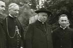 60 lat temu, w nocy z 25 na 26 września 1953 roku władze komunistyczne aresztowały kardynała Stefana Wyszyńskiego, Prymasa Polski. Wraz z Prymasem aresztowano jego sekretarza, skromnego i cichego biskupa […]
