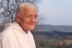 Człowiek który jak przyjaciel rozmawiał z Janem Pawłem 2, który zginął zasztyletowany przez osobę chorą psychicznie na jednym ze wspólnotowych nabożeństw. Człowiek który jednoczył Protestantów, Prawosławnych i Katolików. Człowiek który […]