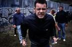 """Olbrzymi """"sukces"""" odnieśli śląscy policjanci dnia 15.06.2013 zatrzymując 23 osoby spośród około 1000 kibiców, którzy, jak wszystko na to wskazuje, planowali odbyć w szczerym polu pod Katowicami rytualne mordobicie pod […]"""