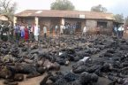 "Najpierw: http://injustices.in/fuel-tanker-overturned-and-exploded/ potem http://neocrusader.com/muslim-holocaust-of-christians/ http://www.loonwatch.com/2011/10/fake-nigerian-christians-burnt-alive-photo-resurfaces-on-facebook/     ""This is a brutal example of how far the struggle between Muslims and Catholics in Nigeria has reached. ""And where are the International […]"