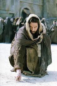 jezus piszący na piasku