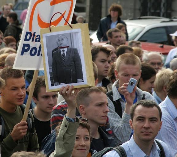 manifestacja_zwolennikow_PO