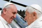 """To piękne iwzruszającespotkanie """"dwóch papieży"""" miało dziś miejsce w rezydencji papieża-emeryta Benedykta XVI… Jak strasznie postarzał się w ciągu tych 3 tygodni Joseph Ratzinger. Tu widać, jaki jest kruchy i […]"""