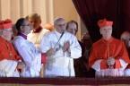 Papież był niemiły? Gdybym ja to powiedziała, już by mi kilku skrupulantów wytknęło, że ranię. Kiedy wtak zwanym Pokoju Łez Jorge Mario Bergoglio zaraz po przyjęciu wyboru ubierał się, by […]