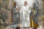(Dn 7,9-10.13-14) Patrzałem, aż postawiono trony, a Przedwieczny zajął miejsce. Szata Jego była biała jak śnieg, a włosy Jego głowy jakby z czystej wełny. Tron Jego był z ognistych płomieni, […]