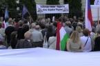 Boże, błogosław Węgrom Manifestacja solidarności z Narodem Węgierskim, Warszawa, 15 lipca 2013 r. Było… dobrze :) Co najmniej kilkaset osób. Bardzo dobre przemówienie Marka Jurka. Hymn Węgier odśpiewany solo a'capella […]